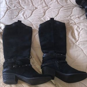 Not rated tall black boots